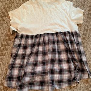 Elizabeth and James plaid t shirt